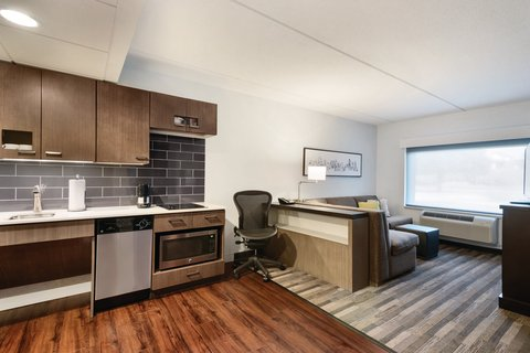 HYATT house Charlotte Airport - Accessible King Suite with Roll-In Shower