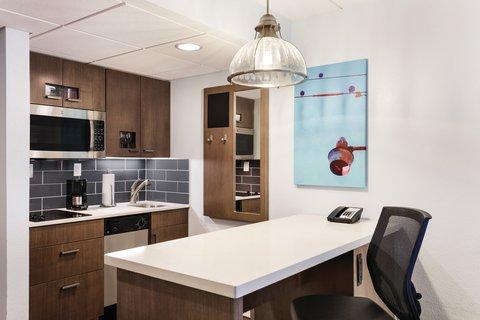 HYATT house Charlotte Airport - One Bedroom Double Suite