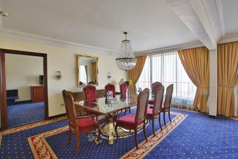 ريجنسي بالاس عمان - Interior Guest Room at Regency Palace Amman
