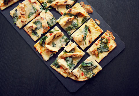 Courtyard Columbia Downtown at USC - Spicy Chicken   Spinach Flatbread