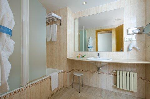 NH Ciudad Real - Bathroom