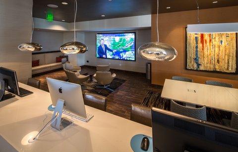 Hilton Dallas Plano Granite Park - Technology Lounge