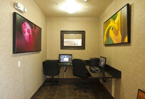 Holiday Inn Express WALLA WALLA - Complementary Business Center