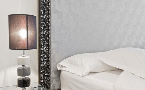 Ercilla Lopez De Haro Hotel - Cabecero Guest Room at Hotel Lopez de Haro
