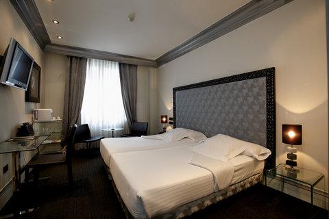 Ercilla Lopez De Haro Hotel - Superior Room at Hotel Lopez de Haro
