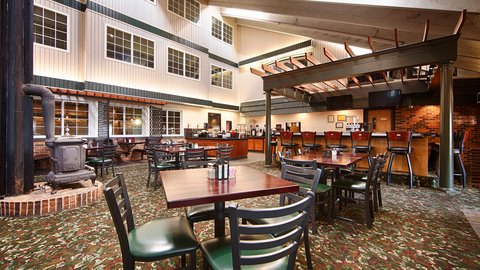 BEST WESTERN PLUS Longbranch Hotel & Convention Center - Breakfast