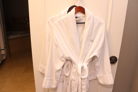 Bel Abri A Napa Valley Bed & Breakfast Hotel - robes