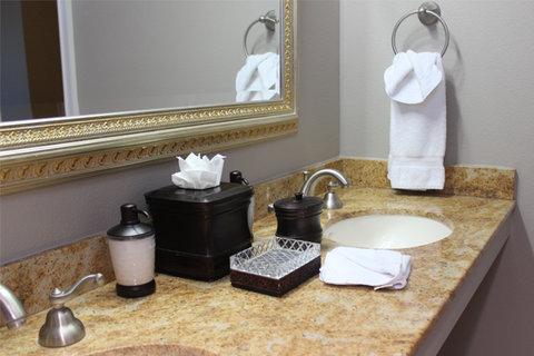 Bel Abri A Napa Valley Bed & Breakfast Hotel - Suite Bath