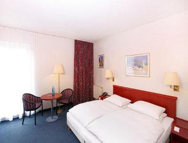 Ramada Frankfurt Oder - Comfortable Double Bed Room