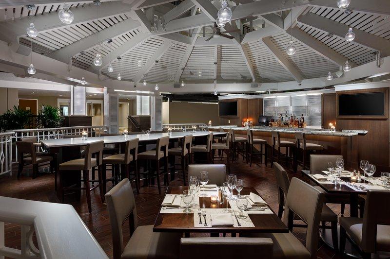Embassy Suites Orlando - Lake Buena Vista Gastronomi