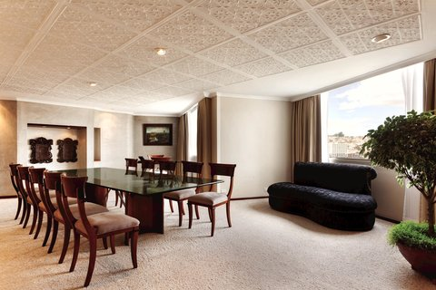 Hilton Colon Quito - Presidential Suite