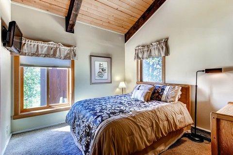 The West Condominiums - 1 Bedroom