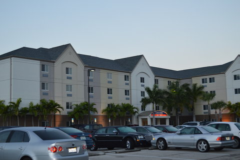 Candlewood Suites Fort Myers Sanibel Gateway Hotel - Exterior view from the road