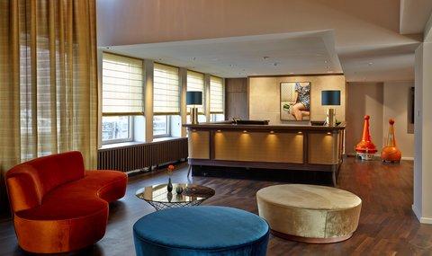AMERON Hotel Speicherstadt Ham - Front Desk at AMERON Hotel Speicherstadt Hamburg