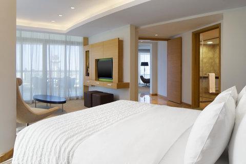 Le Meridien Cairo Airport - Panoramic Suite Bedroom