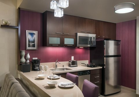 Residence Inn Los Angeles L.A. LIVE - Studio Suite Kitchen