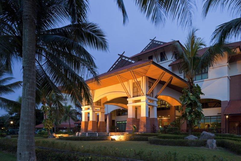 Holiday Inn Batam Vista exterior
