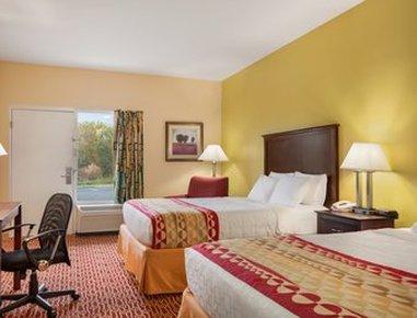 Baymont Inn & Suites-Warrenton