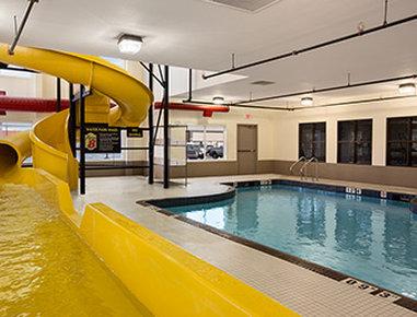 Super 8 Lloydminster - Pool