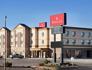 RAMADA GRAND DAKOTA HOTEL DICK