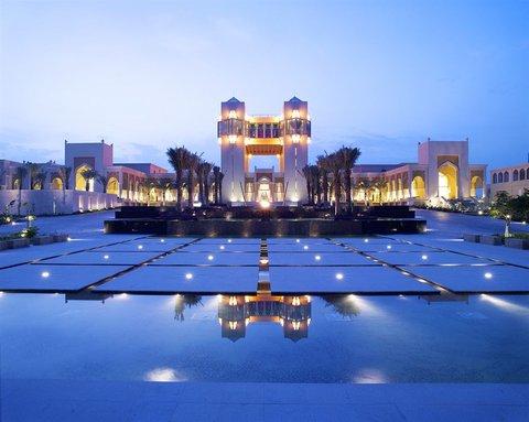 منتجع وسبا قصر العرين - Exterior