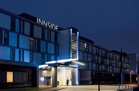 Innside Premium Hotel - Exterior view night