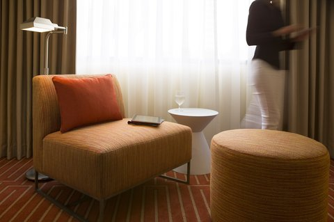 Hotel Irvine Jamboree Center - Accommodations