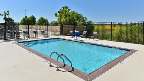 Candlewood Suites HOUMA - Swimming Pool