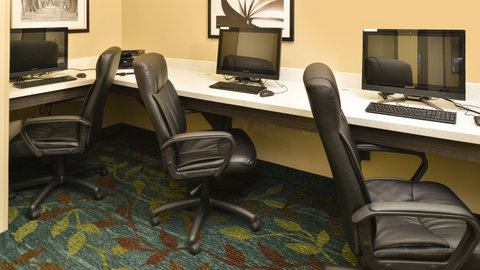 Candlewood Suites HOUMA - Business Center