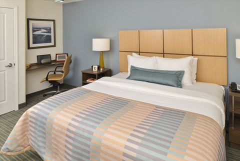 Candlewood Suites HOUMA - King Bed