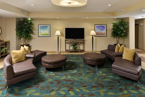 Candlewood Suites HOUMA - Spacious Hotel Lobby