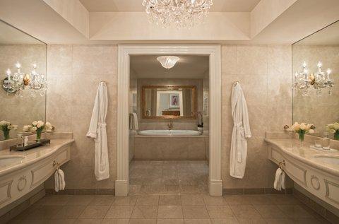 Four Seasons Atlanta - Presidential Bathroom