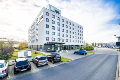 Holiday Inn Express DUSSELDORF - CITY NORTH - Free parking next to the hotel