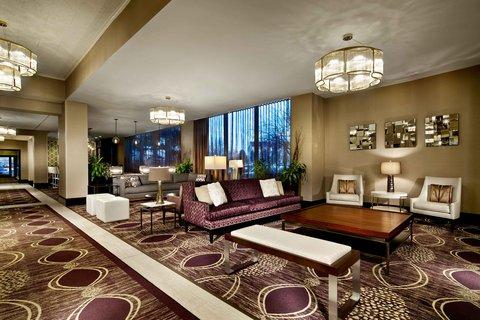 Doubletree By Hilton Hotel Minneapolis North - Hotel Lobby