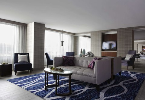 Marriott Marquis Washington, DC - M Club Lounge   Seating Area