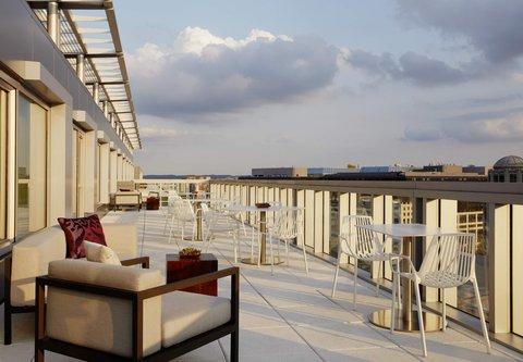 Marriott Marquis Washington, DC - M Club Lounge   Outdoor Terrace