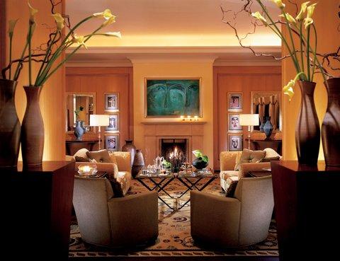 فندق فور سيزن - The Foyer Lounge