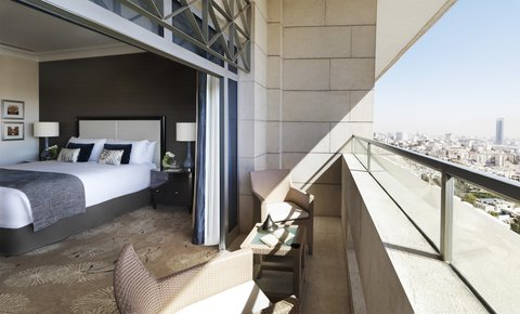 فندق فور سيزن - Deluxe Four Seasons Executive Suite  Bedroom