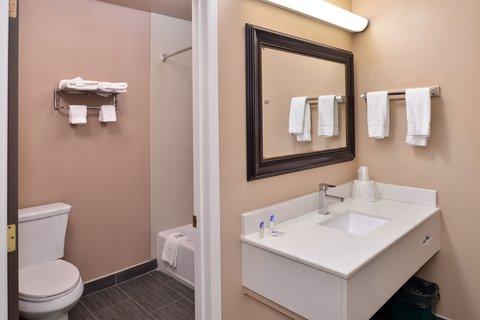 Americas Best Value Inn and Suites Madera - Bathroom Amenities