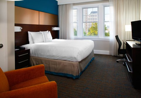 Residence Inn Atlanta Midtown/Georgia Tech - Studio Suite   Sleeping Area