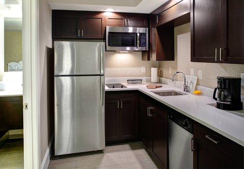 Residence Inn Atlanta Midtown/Georgia Tech - Studio Suite with Balcony   Kitchen