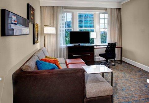 Residence Inn Atlanta Midtown/Georgia Tech - One-Bedroom Queen Queen Suite   Living Area
