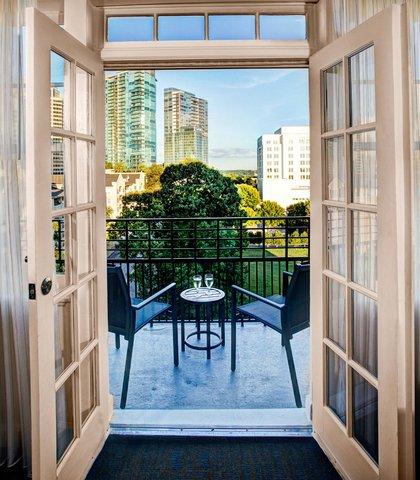 Residence Inn Atlanta Midtown/Georgia Tech - Suite Balcony