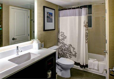 Residence Inn Atlanta Midtown/Georgia Tech - Suite Bathroom