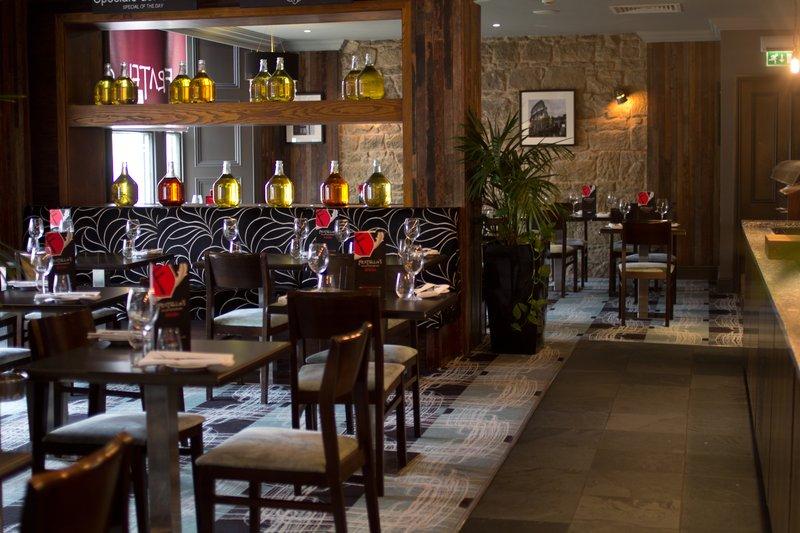 Holiday Inn Newcastle-Jesmond 餐饮设施