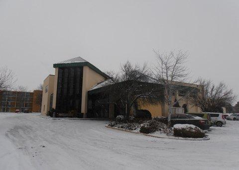 Econo Lodge - Exterior