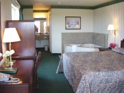 翡翠海豚酒店及迷你高爾夫 - King Suite