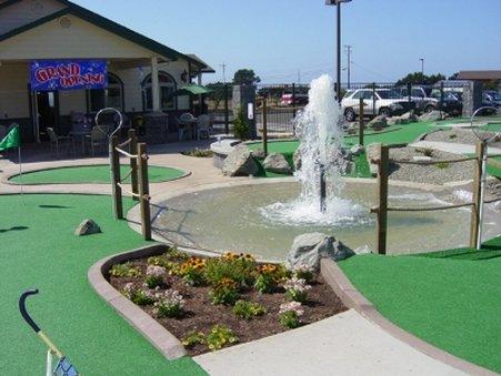 翡翠海豚酒店及迷你高爾夫 - Golf