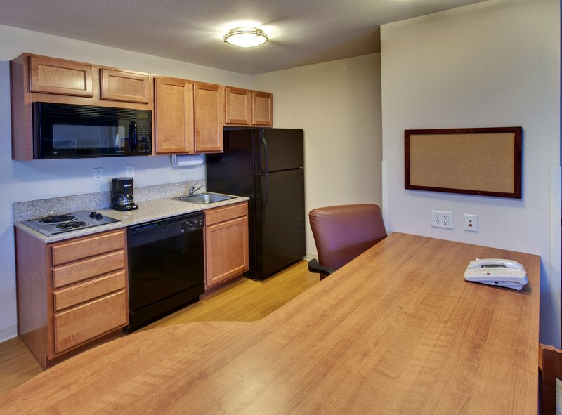 Candlewood Suites Lincoln - Lincoln, NE