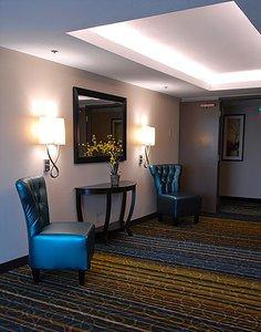 Lobby - Holiday Inn Express Downtown Boise